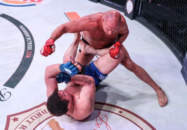 Video: Sonnen fumbles BJJ transition, gets TKO'd by Emelianenko