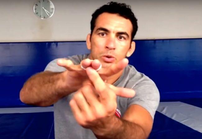 Vídeo: Bráulio Estima ensina macete para prender melhor o esparadrapo no Jiu-Jitsu