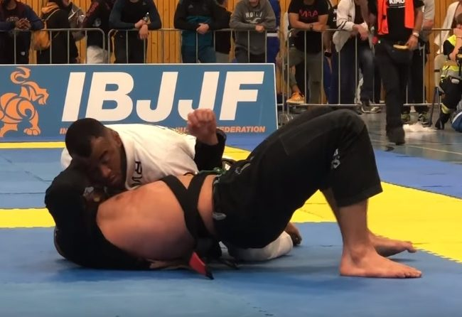 See Jackson Sousa's surreptitious choke from the Geneva Open