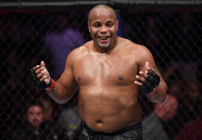 UFC 230: Cormier wins with BJJ; Jacaré knocks out Weidman