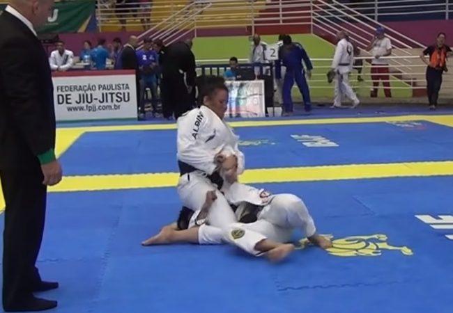 A kimura campeã de Jéssica Flowers no absoluto do Sul-Americano de Jiu-Jitsu