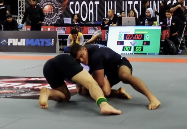 Kaynan Duarte's swift guillotine at the 2018 SJJIF Worlds