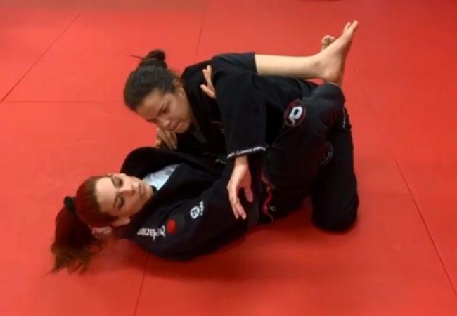 Guarda, bloqueio e triângulo: Campeã mundial de Jiu-Jitsu ensina defesa pessoal na Macarra Team