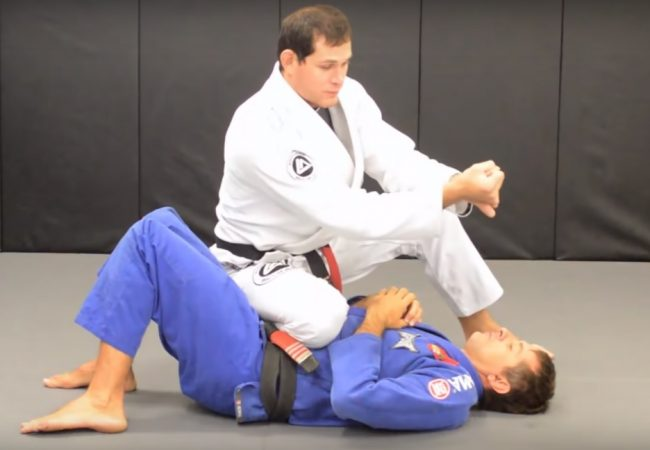 Vídeo: O detalhe de Roger Gracie para o baseball choke perfeito no Jiu-Jitsu