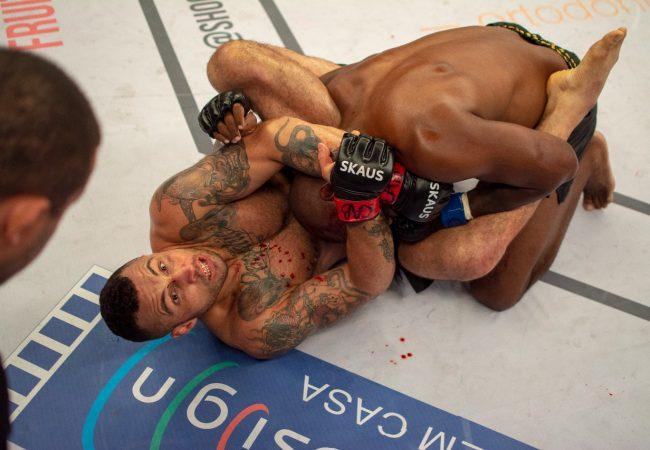Vídeo: Ex-UFC aplica gogoplata do Jiu-Jitsu e finaliza no Shooto 89