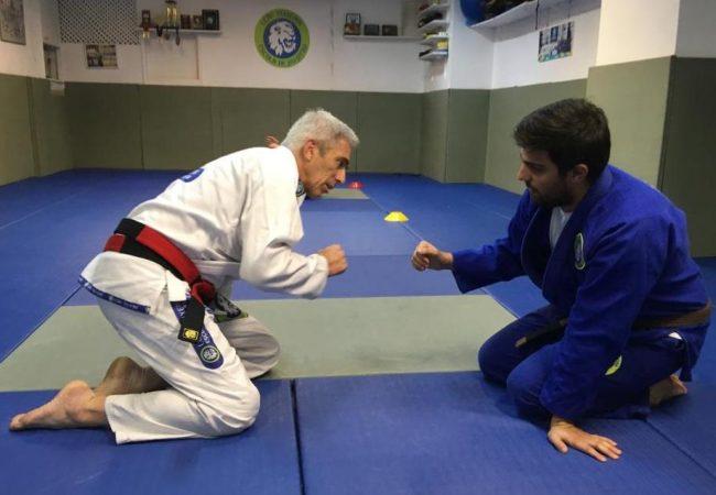 Jiu-Jitsu: Mestre Leão Teixeira em treino soltinho de pai para filho