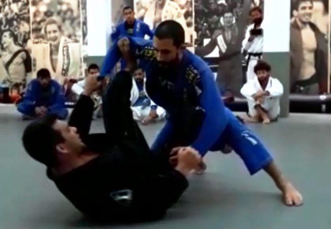 Michael Langhi ensina chave de pé e leglock partindo da guarda-aranha no Jiu-Jitsu