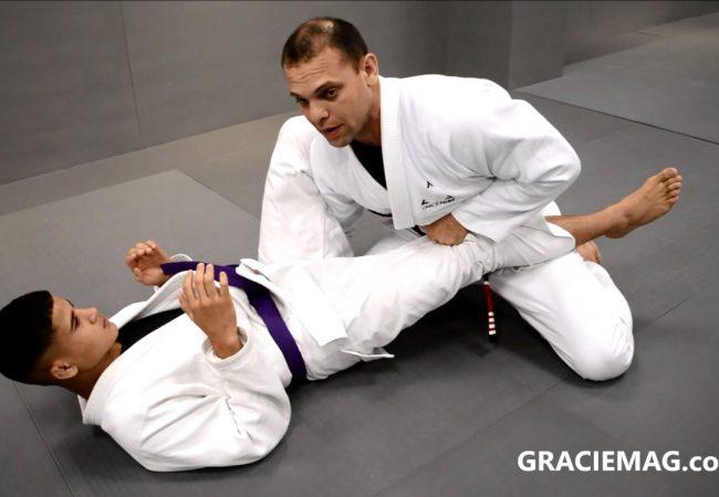 Jiu-Jitsu: Eduardo Aguiar ensina passagem da guarda fechada na Gracie Kore