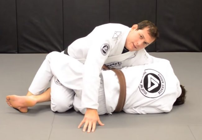 Roger Gracie teaches a kimura defense with a finish on the arm