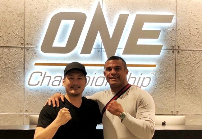 Vitor Belfort visits One Championship and flirts with a return to MMA
