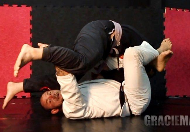 Do baú: Roberto Cyborg ensina raspagem da guarda-tornado no Jiu-Jitsu