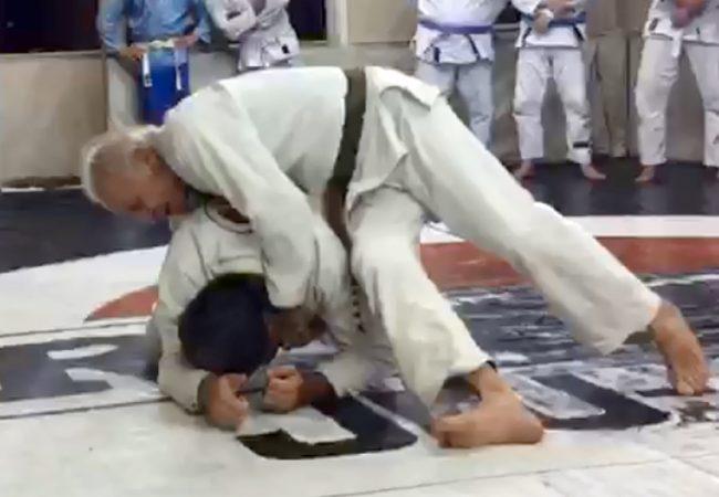 Vídeo: Aos 80 anos, Elmar França comemora aniversário treinando Jiu-Jitsu