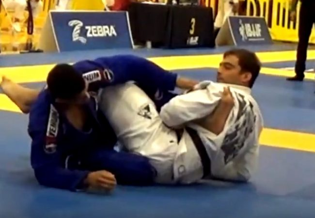 Vídeo: Luiz Panza finaliza em 20s e fatura absoluto do San Jose Open de Jiu-Jitsu