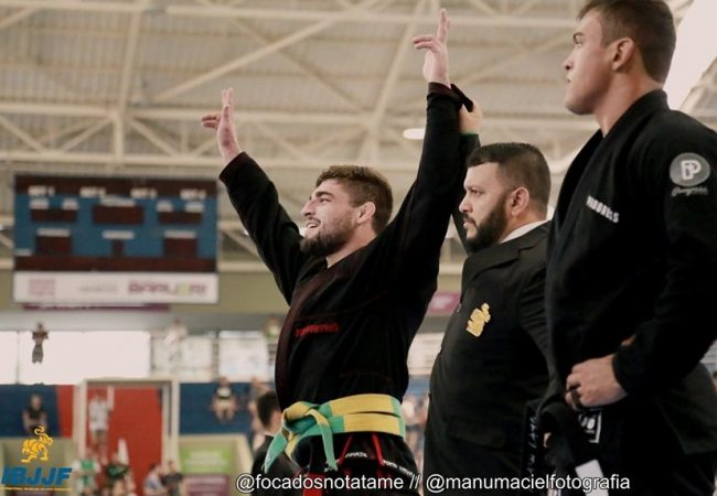 """A arte de vencer um favorito no Jiu-Jitsu, com Vinicius """"Trator"""" Ferreira"""