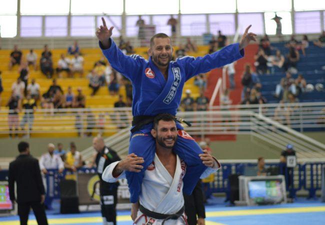 Jiu-Jitsu: 2 atalhos para as costas com Caloquinha e Benini, da Gracie Barra BH