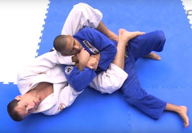 Roger Gracie ensina detalhes para finalizar no armlock das costas