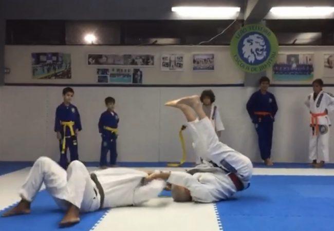 Leão Teixeira e a arte de ensinar quedinhas para crianças no Jiu-Jitsu