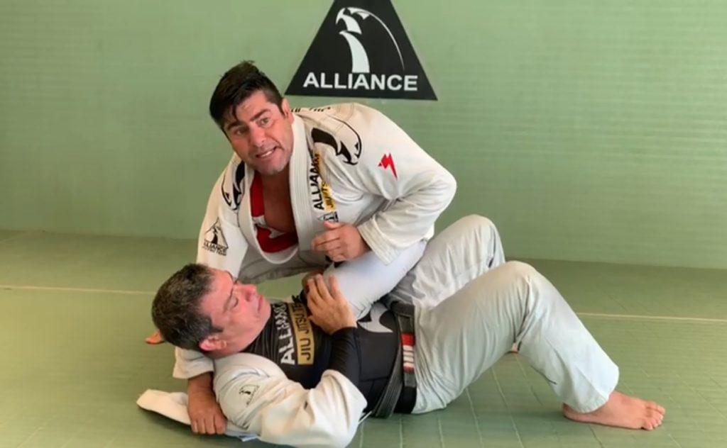 Felipe Zicro ensina a controlar melhor a montada no BJJ