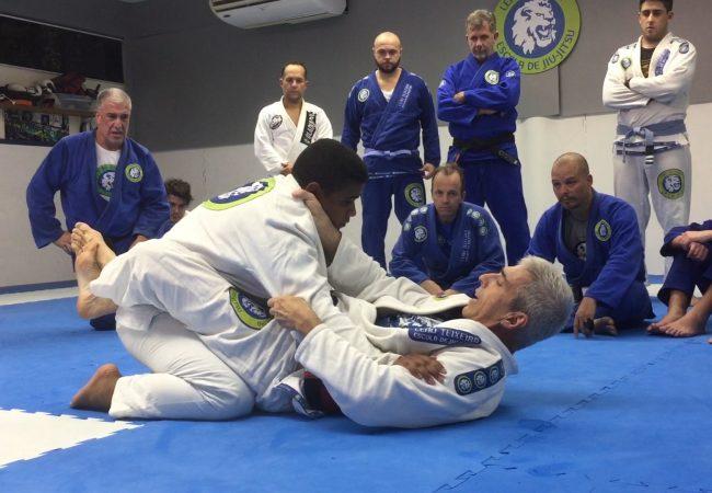 Mestre Leão Teixeira e o beabá da guarda fechada no Jiu-Jitsu