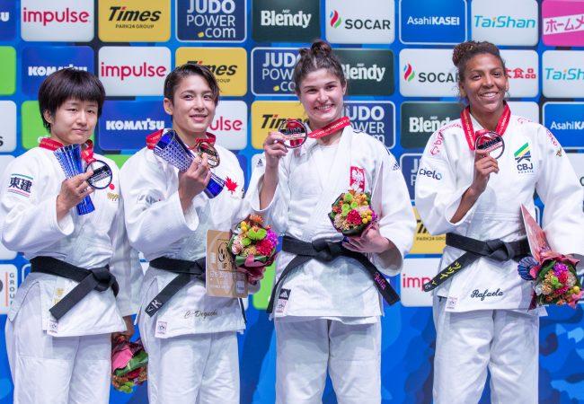 """Rafaela Silva completa """"coleção"""" de medalhas no Mundial de Judô em Tóquio"""