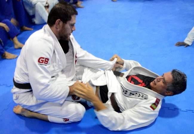 Video: Roger Gracie takes on a brown-belt, makes it look easy