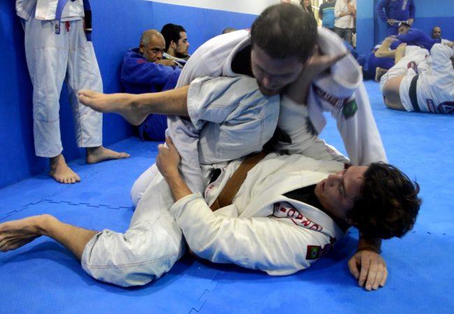 Vídeo: Rômulo Arantes Neto e Roger Gracie em treino de Jiu-Jitsu na GB Parque Olímpico