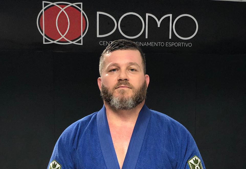 GMI Wilson Ulhôa ensina raspagem da meia-guarda no Jiu-Jitsu