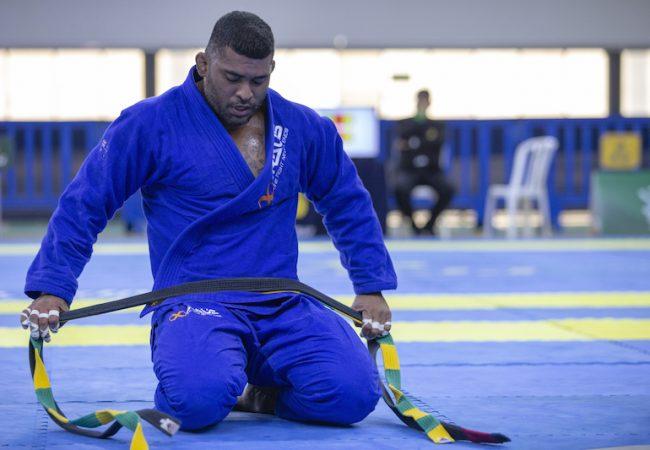 Diploma na faculdade e sucesso no Jiu-Jitsu: a consistência de Ricardo Evangelista