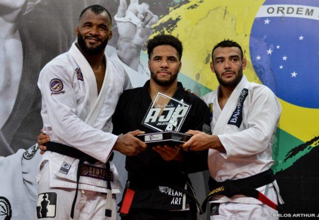 """Jackson Sousa, Leonardo """"Cascão""""  e Isaque Bahiense vencem no King of Mats"""