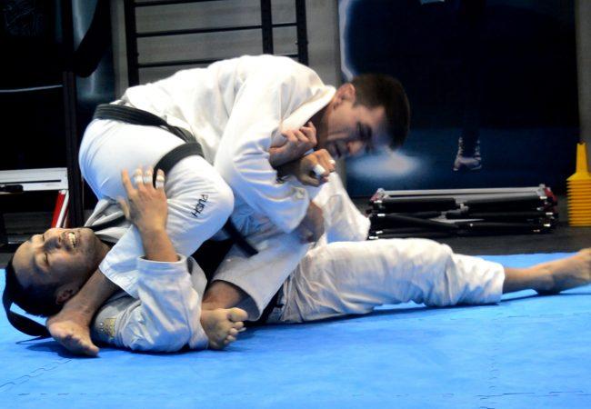 Estude Jiu-Jitsu com o treino específico de Demian Maia
