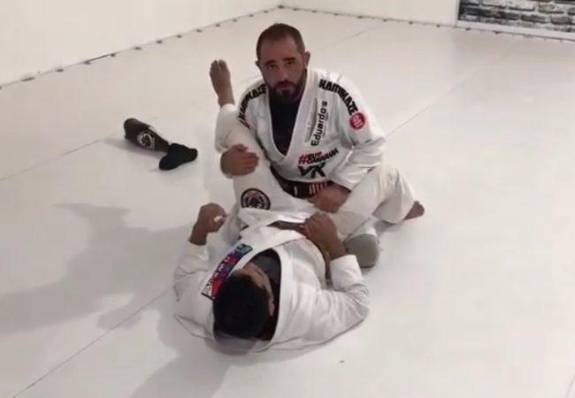 Vídeo: Mario Cowboy ensina giro com finalização na panturrilha no Jiu-Jitsu