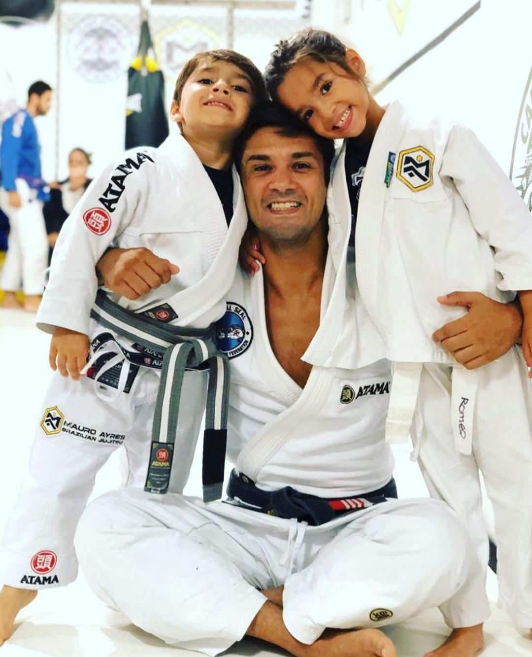 Maurinho and kids