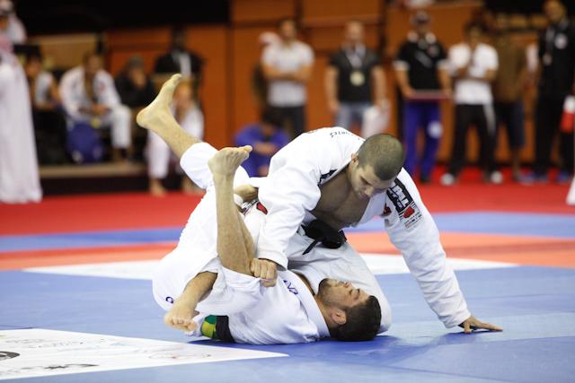 Vídeo: O duelo de Rodolfo Vieira e André Galvão no Abu Dhabi World Pro 2012