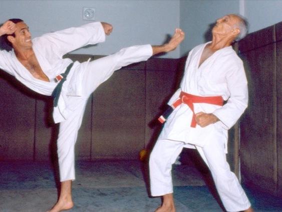 Vídeo: No dia de Helio Gracie, aprenda suas posições preferidas no Jiu-Jitsu