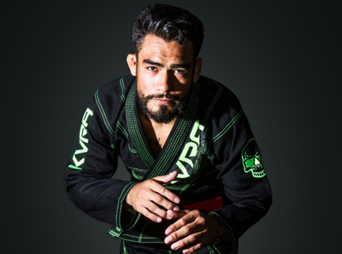 Vídeo: A omoplata fatal de Juan Kamezawa no Jiu-Jitsu
