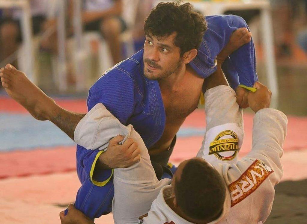 Fabiano Papel ensina truques para passagem da guarda no Jiu-Jitsu
