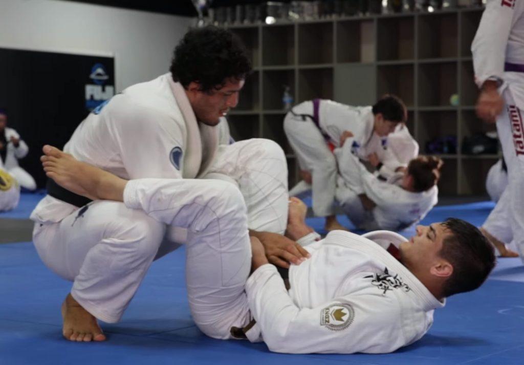 Vídeo: o treino de Jiu-Jitsu de Lucas Hulk e Jonnatas Gracie