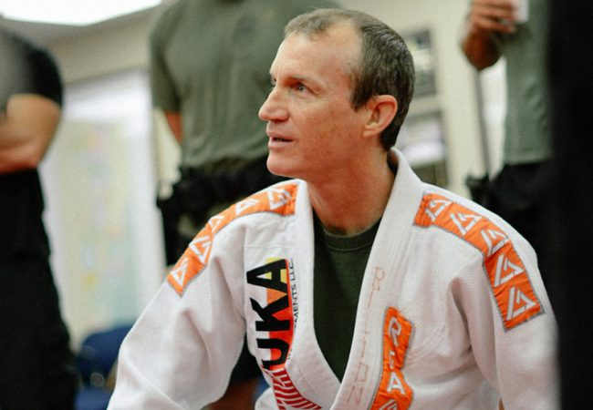 Rilion Gracie teaches a sweep with a lever from the open guard