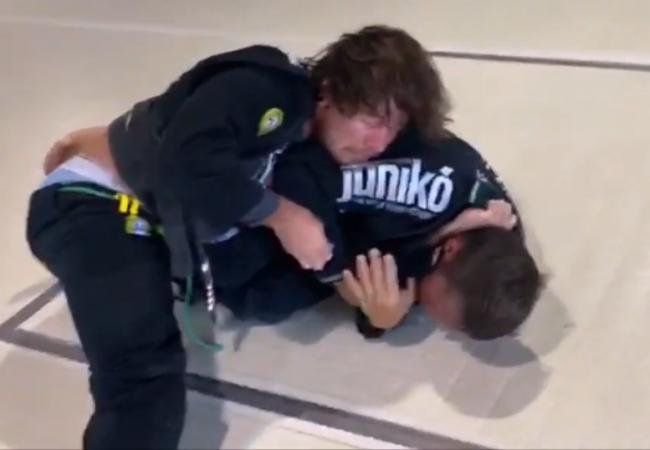 Até pegar: Cristyan Martins e seu treino de progressão para finalizar no Jiu-Jitsu