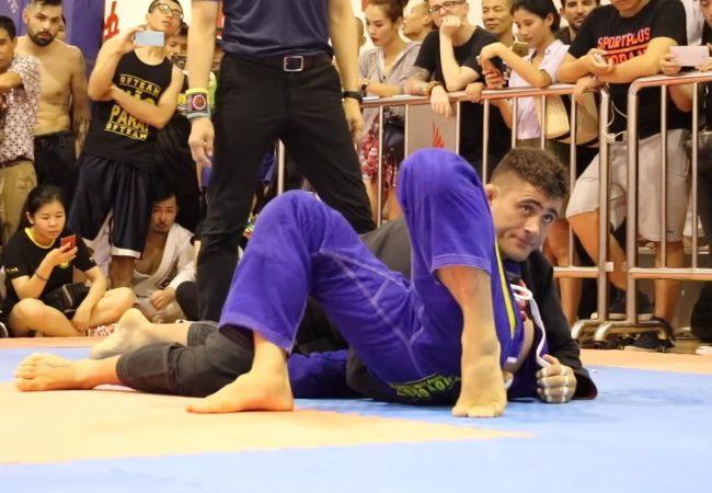 Rodrigo Caporal (Espada BJJ) e seu jogo justo de passagem de guarda no Jiu-Jitsu