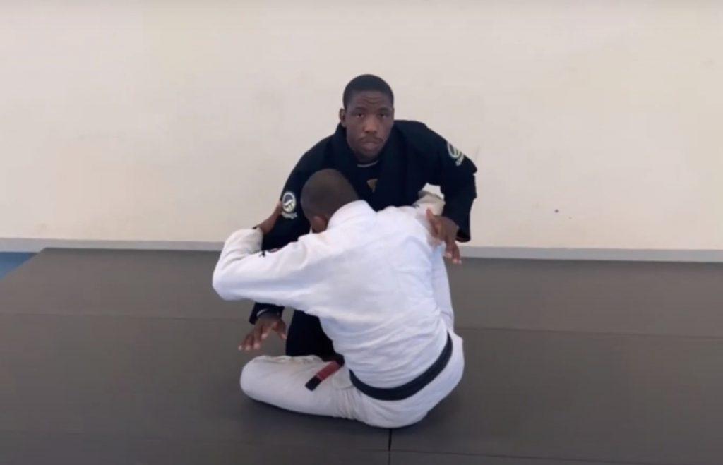 Rodrigo Akillis ensina a anular a guarda de gancho no Jiu-Jitsu