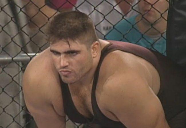 Veterano do UFC, Paul Varelans morre aos 51 anos por complicações do coronavírus
