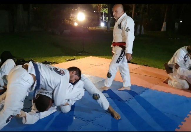 Mestre Álvaro Mansor e o treino ao ar livre da Soul Fighters