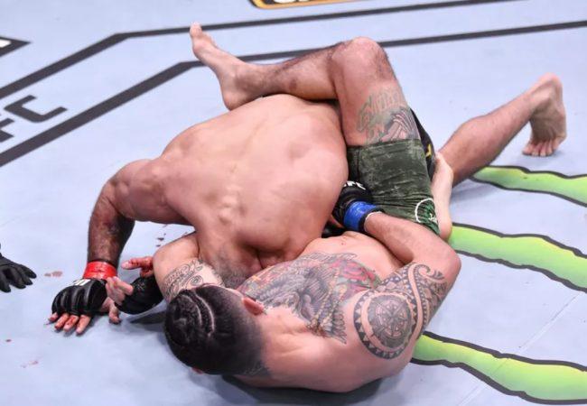 Aprenda o golpe de Jiu-Jitsu que surpreendeu Rodolfo Vieira no UFC