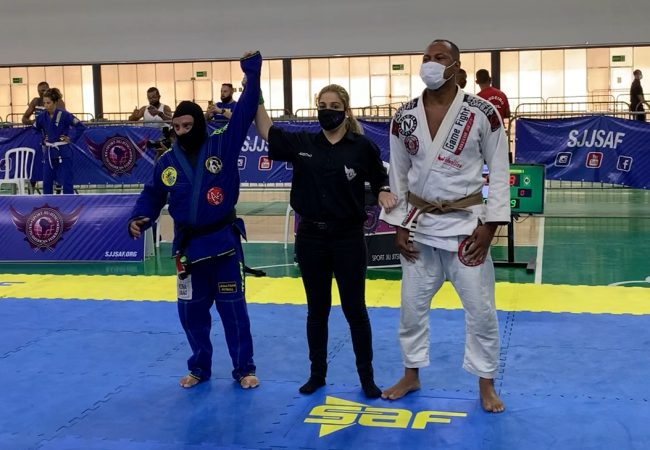 Atleta com síndrome de down Jonathan Pitbull estreia faixa-preta no Pan de Jiu-Jitsu da SAF