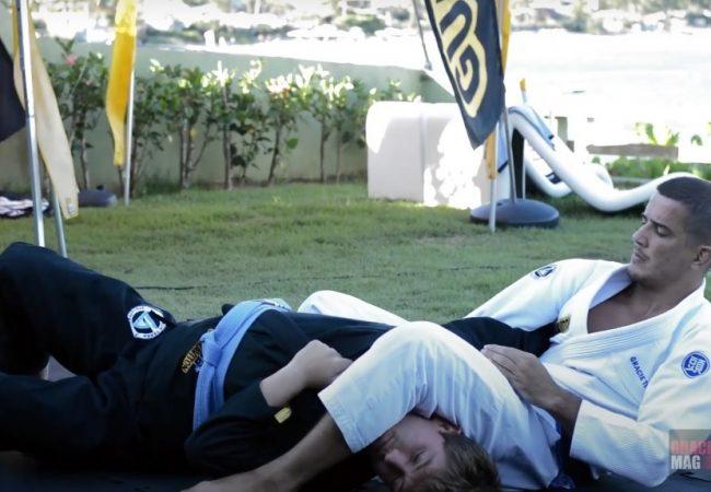 Vitor Terra ensina finta na gola com armlock no Jiu-Jitsu