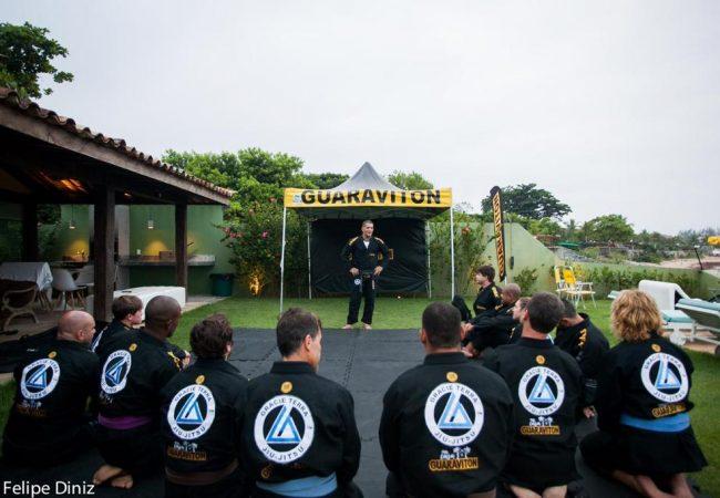 Gracie Terra Experience: Jiu-Jitsu e praia na Casa Guaraviton