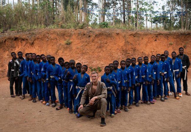 Jiu-Jitsu na África: Projeto de campeão do UFC muda vidas em Camarões