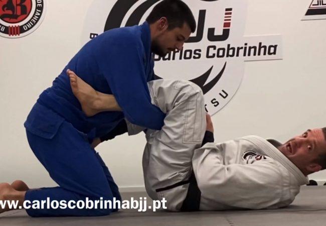 Vídeo: Carlos Cobrinha e seus macetes da guarda-laçada no Jiu-Jitsu