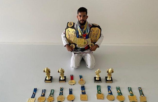 BJJ star Hiago celebrates title in Abu Dhabi, announces MMA debut for Aug.
